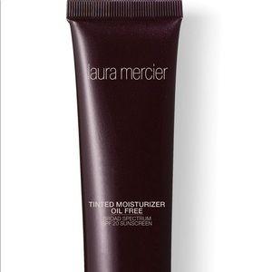 Laura Mercier SPF 20 Tinted Moisturizer - NUDE
